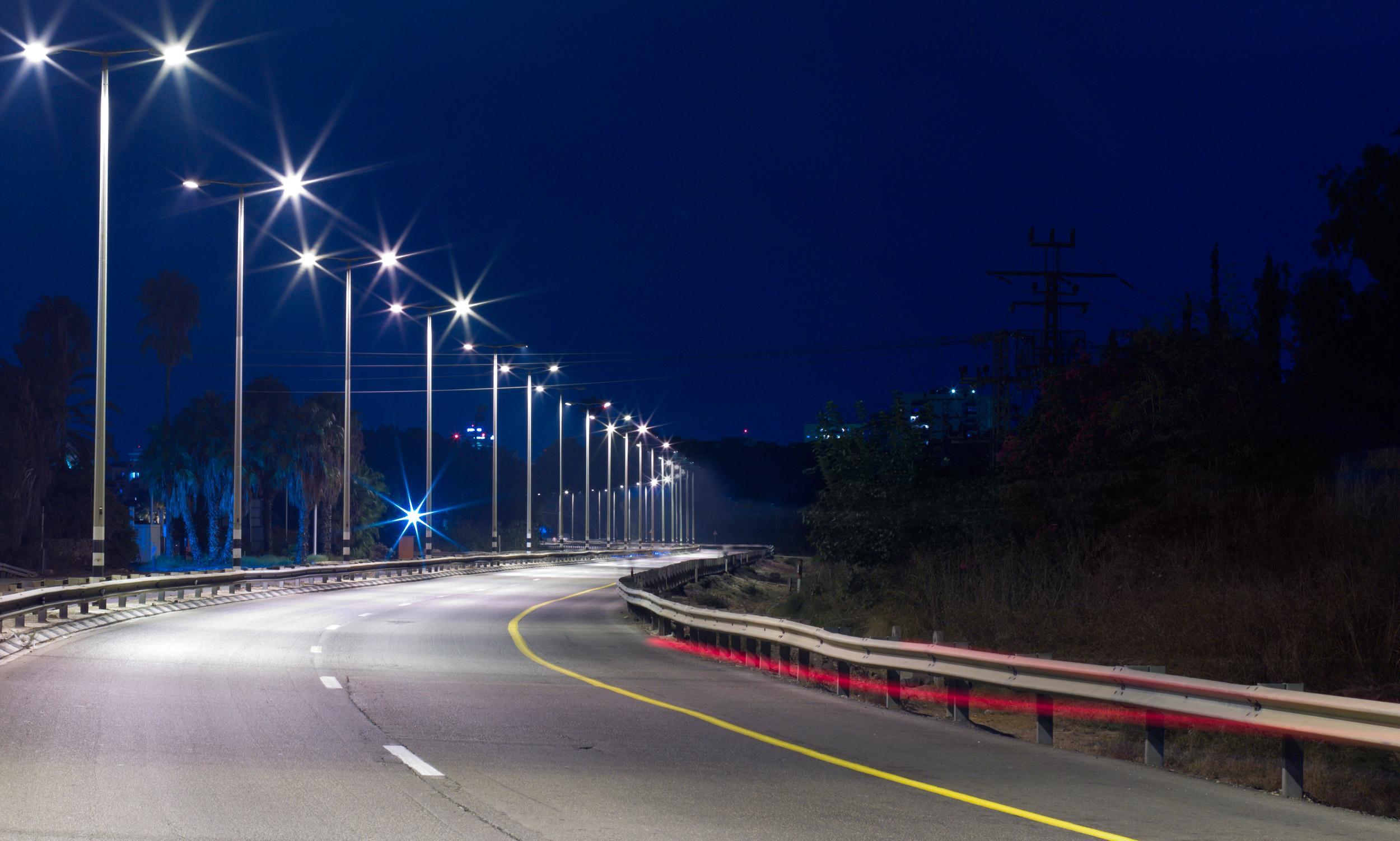 Освещение автомобильных дорог