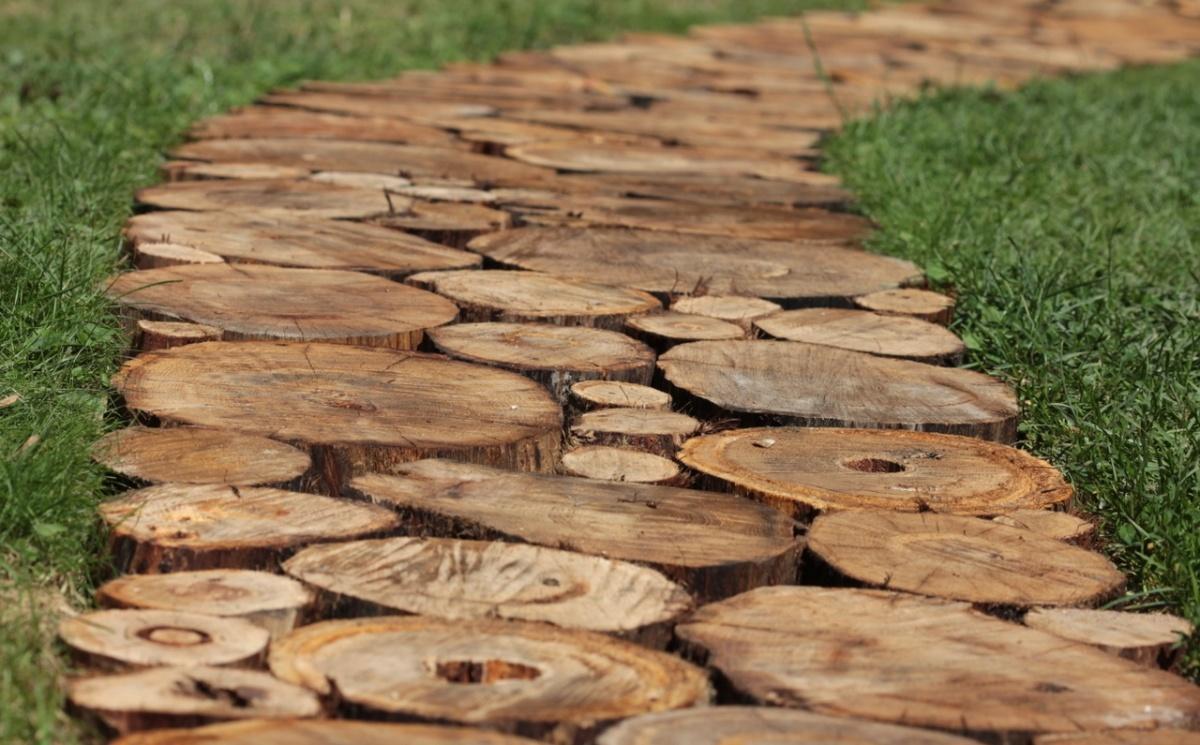 Укладка деревянных дорожек своими руками