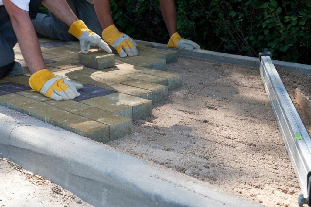 Когда требуется демонтаж тротуарной плитки